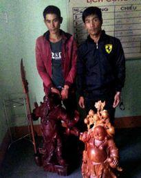 Bắt hai thanh niên chuyên trộm tượng phật gỗ