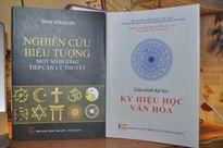 Giáo trình 'Ký hiệu học văn hóa' sao chép từ sách khác