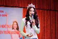 Hoa hậu Phạm Hương sẽ tiếp tục làm giảng viên