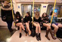 Kỳ lạ hàng nghìn người đổ xô đi tàu điện ngầm nhưng không mặc quần