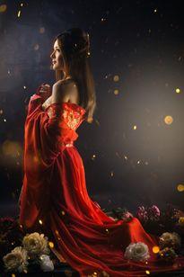 Nàng 'Điêu Thuyền' Lilly Luta khiến 'hoa hờn nguyệt thẹn'