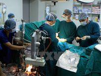 Thực hiện thành công 2 ca thay van động mạch chủ qua ống thông
