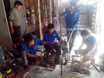 Nam sinh vùng cao chế tạo thành công máy bừa mini cho ruộng bậc thang