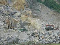 Thanh Hóa: Sập mỏ đá, 7 người thương vong