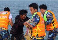 3 giờ giải cứu 6 người trên con tàu bị chìm giữa biển