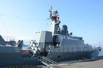 Tàu hộ vệ tên lửa Đinh Tiên Hoàng thăm Singapore