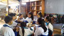 Bếp cơm người lính nuôi học sinh vùng biên đến trường