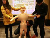 Công ty Trung Quốc thưởng tết bằng... búp bê tình dục