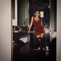CL (2NE1) gây tranh cãi khi tích cực 'khoe thân', lộ ảnh thác loạn trên mạng