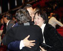Hình ảnh xúc động của Thủ tướng lúc bế mạc Đại hội XII