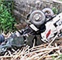 Xe chở khách về ăn Tết lao xuống vực, hàng chục người bị thương