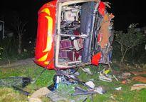 Nạn nhân xe khách lao xuống vực: 'Chúng tôi tưởng chết rồi'