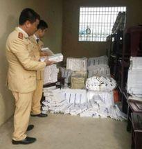 Bắt giữ xe tải chở gần 10.000 bao thuốc lá lậu