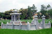 Cưỡng chế phá dỡ mộ, chính quyền lấy luôn đá xanh trị giá hàng trăm triệu đồng?