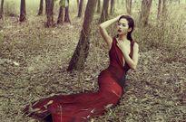 Hoa hậu Phan Thu Quyên thả dáng quyến rũ trong rừng vắng