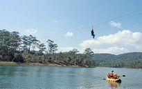 Đu dây Zipline ngắm hồ Tuyền Lâm (Đà Lạt) từ trên cao