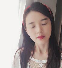 Sao Việt 5/2: Bé Cadie bắt chước pose giống mẹ, Mạc Hồng Quân co ro vì điệu