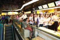 Noo Phước Thịnh bảnh bao với hình tượng thư sinh tại buổi họp fan