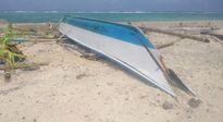 Hải quân đảo Sinh Tồn vượt sóng dữ cứu ngư dân Philippin