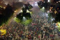 Màn pháo hoa mãn nhãn đón năm mới Bính Thân trên bầu trời Hà Nội