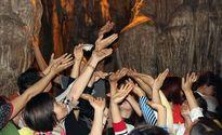 200 cảnh sát hóa trang chống trộm cắp ở lễ hội
