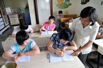Bỏ trường điểm, cô giáo tự nguyện về dạy học sinh khuyết tật
