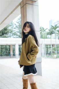Các quý cô Châu Á xuống phố ngày đầu xuân với street style siêu bắt mắt