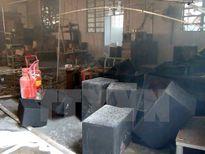TP.HCM: Cháy lớn thiêu rụi 600m2 xưởng chuyên sản xuất loa