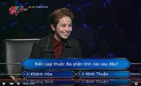 """Clip: Gil Lê gọi Chi Pu là """"bạn Gấu"""" trên sóng truyền hình"""