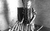 Nhà Rông và đàn Tơ rưng làm nên sự đặc biệt trong đời già làng A Wer