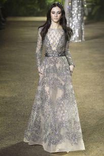Những kiệt tác váy cưới khó bỏ qua của tuần lễ cao cấp Paris