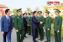 Trưởng ban Kinh tế Trung ương chúc tết BĐBP Hà Tĩnh