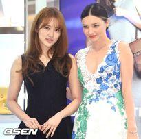 Những khoảnh khắc mỹ nhân Hoa - Hàn đọ sắc bên người đẹp phương Tây