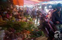 Mùng 3 tết, rau củ quả tăng giá mạnh, siêu thị vẫn vắng vẻ