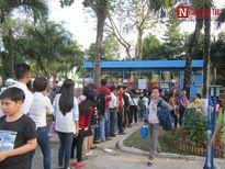 Đà Nẵng: Người dân xếp hàng dài chờ vào cửa khu vui chơi