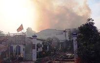 """""""Bà hỏa"""" ghé thăm, xưởng loa 600 mét vuông cháy rụi"""