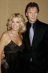 Làng giải trí sôi sục trước tuyên bố hẹn hò 'sao hot' của Liam Neeson