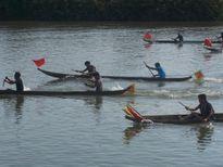 Kon Tum: Đua thuyền độc mộc trên sông Đăk Bla
