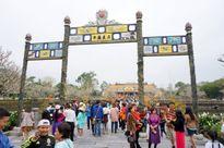 Hàng vạn du khách tham quan miễn phí di tích Huế