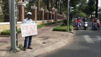 Con trai bị bệnh nan y yêu cầu ba xin lỗi cảnh sát giao thông