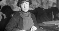 Nữ chính khách Liên Xô Kollontai cổ xúy mạnh mẽ cho tự do tình dục