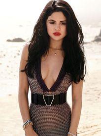 Tuyệt kỹ để có nét quyến rũ tỏa sáng của Selena Gomez