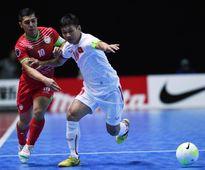 Thắng 8-1, futsal Việt Nam vượt Thái Lan để đứng đầu bảng