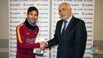 Messi lần đầu được vinh danh xuất sắc nhất tháng