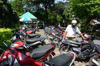 """TP HCM: Dịch vụ giữ xe ngày Tết thả cửa """"chặt chém"""""""