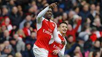 Welbeck tỏa sáng, Arsenal thắng ngược Leicester đúng phút chót