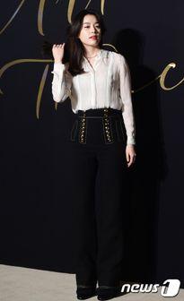 'Mỹ nhân cười đẹp nhất Hàn Quốc' Han Hyo Joo khoe sắc cùng loạt sao hàng đầu Kbiz