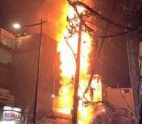 Cháy lớn quán karaoke, khách hoảng loạn kêu cứu