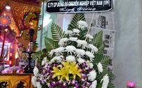 Đồng nghiệp nghẹn ngào viếng tang hậu vệ Trần Phước Thọ
