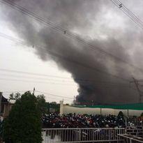 Clip cháy lớn một công ty nệm ở huyện Củ Chi